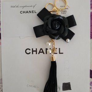 CHANEL black leather key ring Bag charm  camellia
